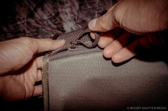 Water bladder pouch zipper
